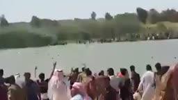 نازحي الانبار وهم يعبرون ناحية عامرية الفلوجة